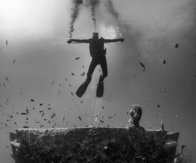 Diver-on-Thistlegorm